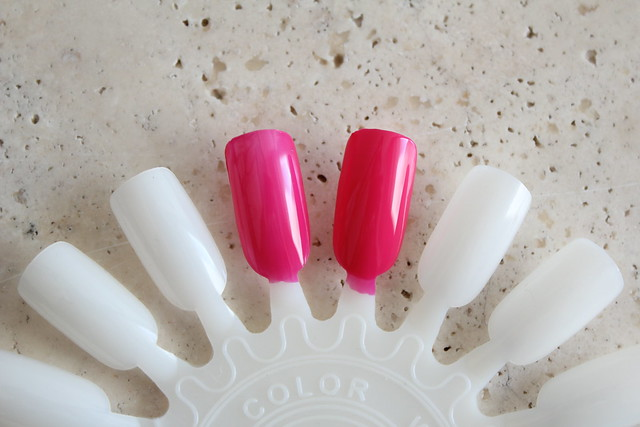 Guerlain La Petite Robe Noire Nail Polish in 02 Pink Tie review and swatches