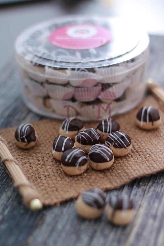 2. Choco Truffle DKM COOKIES