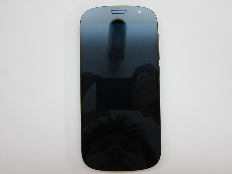 YotaPhone 2 - Front