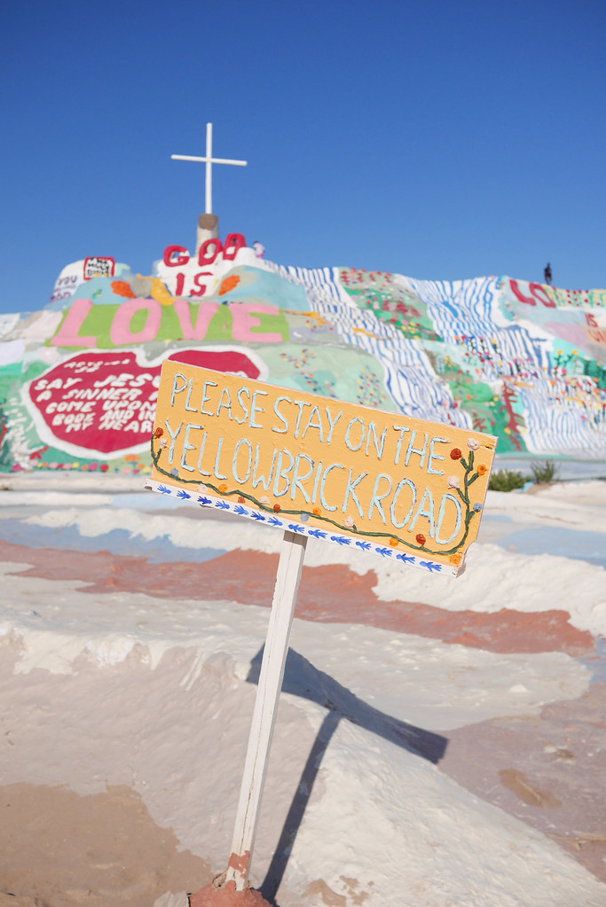 salvation-mountain-2