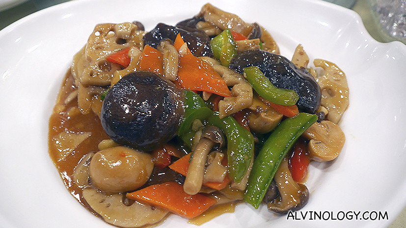 Stir-fried Lotus with Assorted Vegetables & Mushrooms