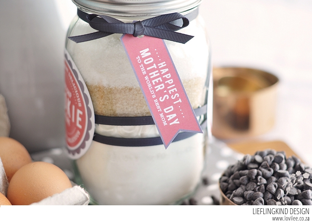 Free mason Jar cookies DIY tutorial for Mother's Day