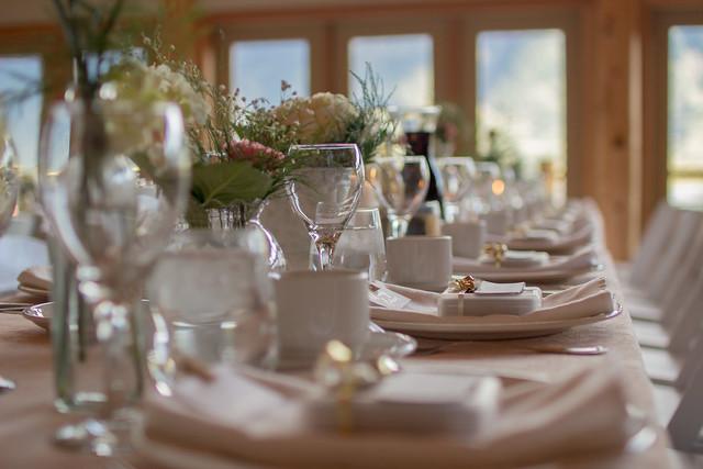 Apparecchiare la tavola secondo il galateo trucchi di casa for Tavole da pranzo