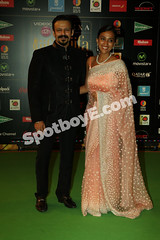 Vivek Oberoi and wife at IIFA Awards 2016