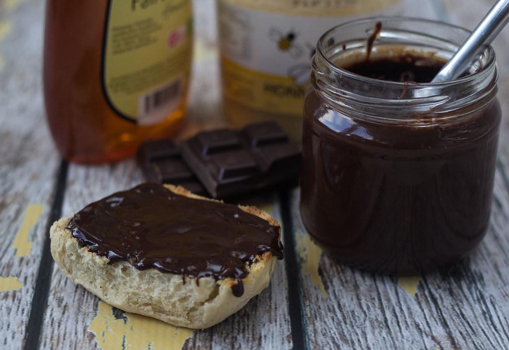 Opskrift på hjemmelavet chokoladepålæg med honning - kun 2 ingredienser