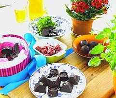 Raw dairy-free chocolates. Www.thebrightonkitchen.…