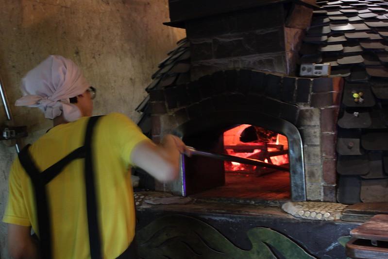 17度C大陸沙發客-西門町美食-美觀園-SOFREE披薩 (9)