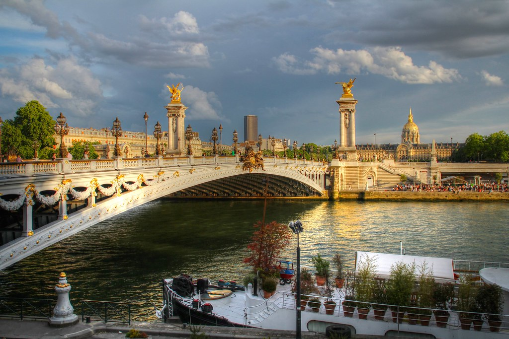 A beautiful sunset at the Pont Alexander III in Paris