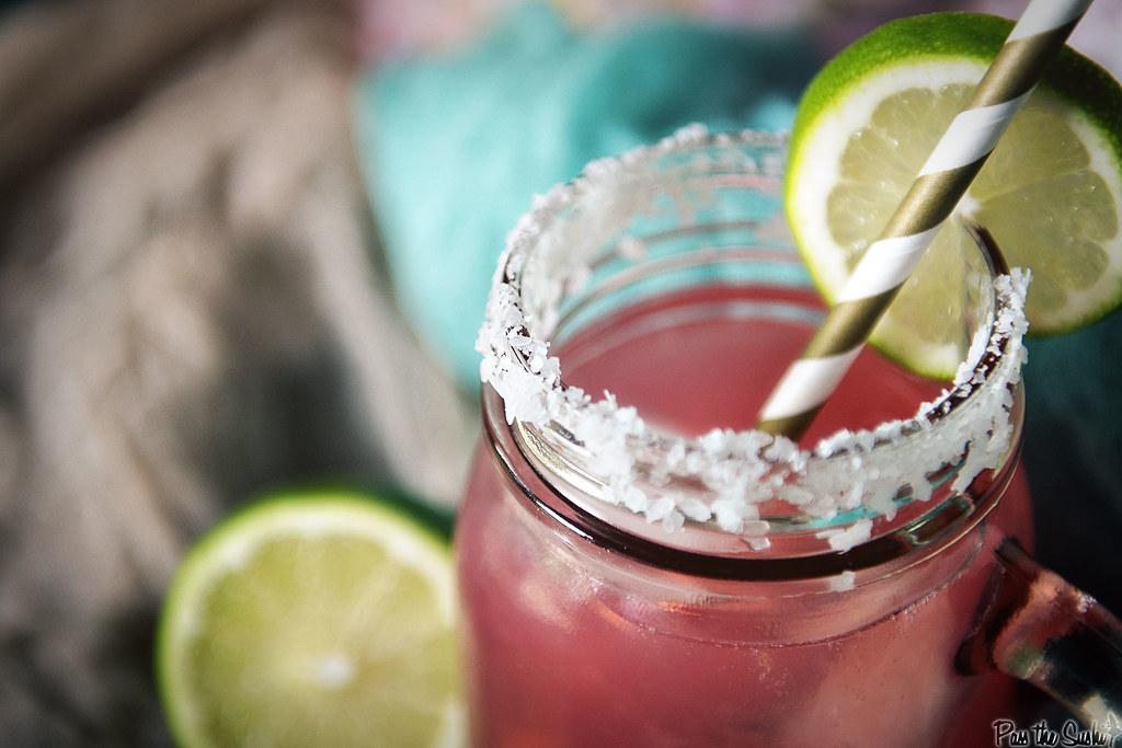 Cranberry Lemonade Margarita | PasstheSushi.com