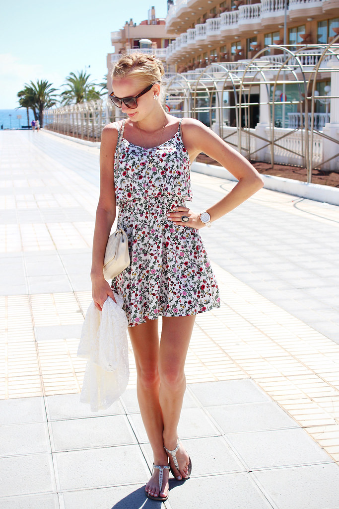 H&M loves coachella floral print dress