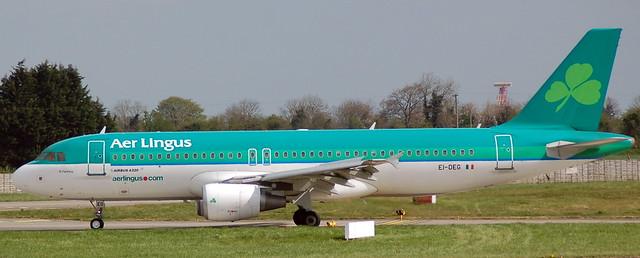 Airbus A-320 EI-DEG