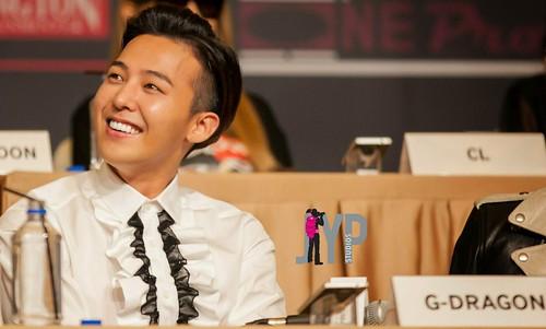 YGFam-Press-Con-Singapore-HQphotos-byKurier-20140912(40)