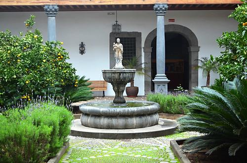 Historic courtyard, La Laguna, Tenerife