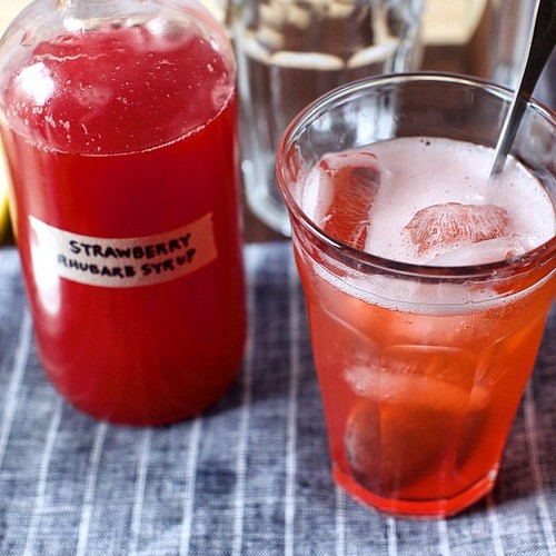Loving the idea of this strawberry and rhubarb soda on @smittenkitchen (recipe on her blog) Bring on a summer of these please #regram