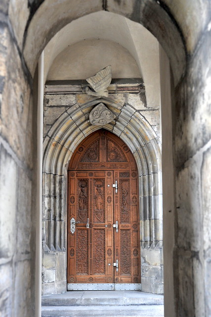 The door to the castle flickr photo sharing for Door z prague