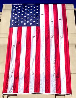 U.S. Flag-- 2425 Wilson Boulevard Arlington (VA) May 2016