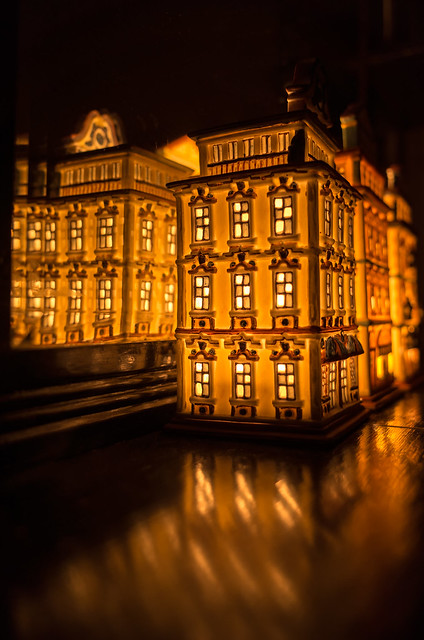 Illuminated Tealight Miniature House
