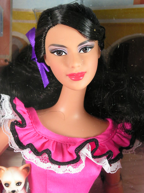 2011 Barbie Dolls of the World mexico W3374 (4)
