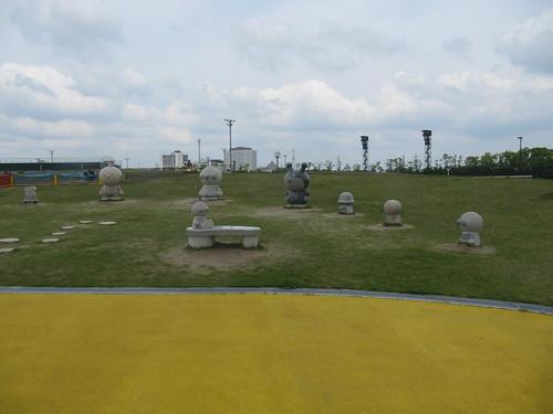 中京競馬場のアンパンマン石像