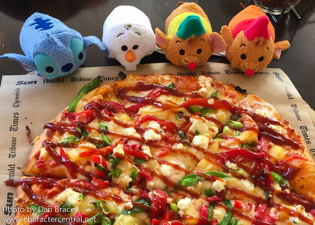 The Tsums get pizza!