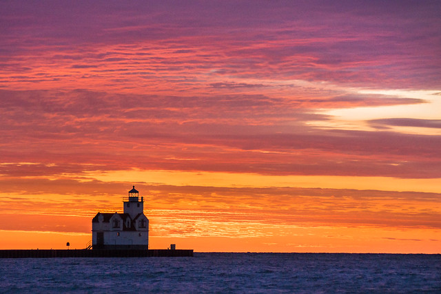 Kewaunee, WI, Sunrise, Lighthouse, Lake Michigan, Colorful