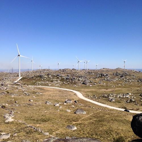 Triangulação Fundamental #Montemuro #ETF13 voltado a Este. #Clio #Baccara à vista! :)