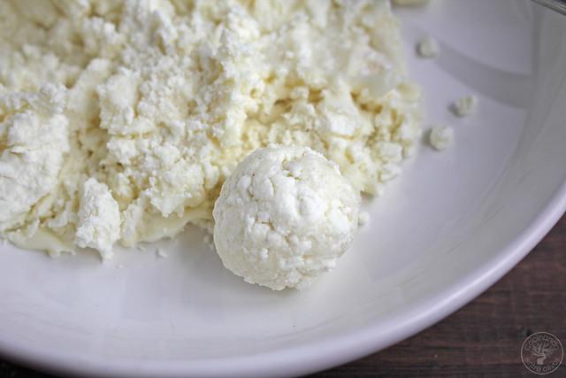 Bombones de queso y mermelada de vino www.cocinandoentreolivos.com (4)