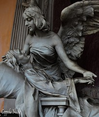 statua anziana