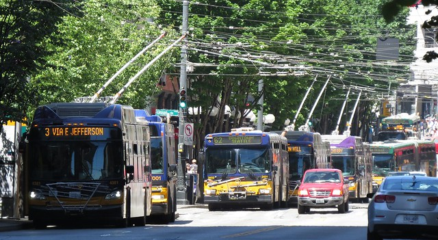 2016-06-06 Mess of buses on 3rd Ave