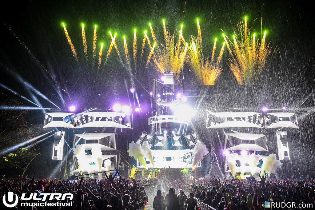 Avicii @ Ultra Music Festival 2015 - Photo: © Rudgr.com
