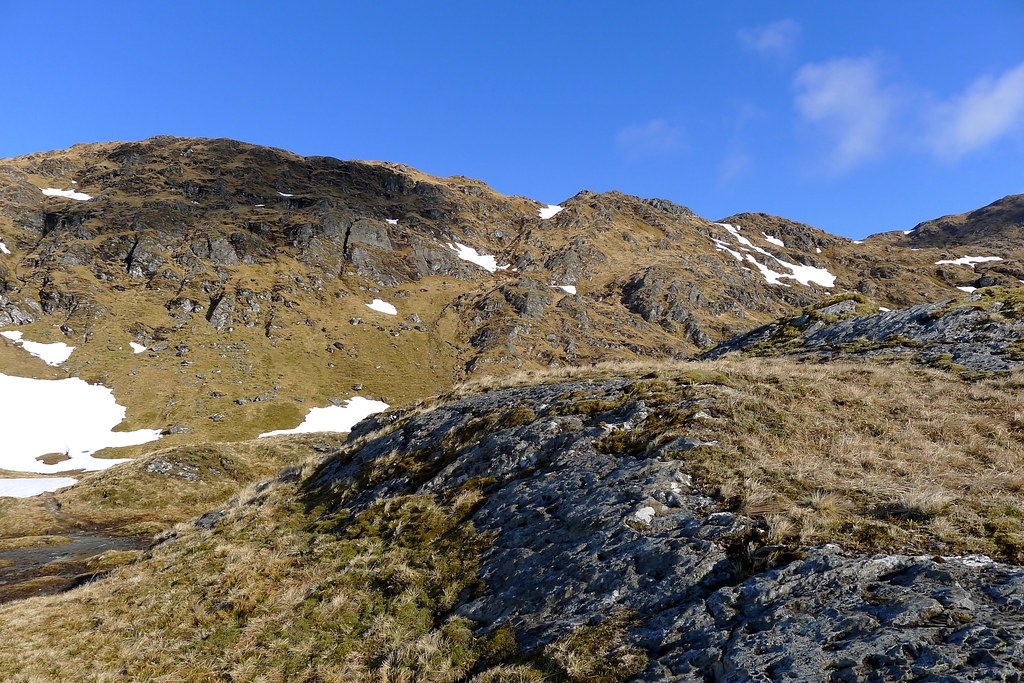 Looking up to the ridge of Beinn Bhuidhe