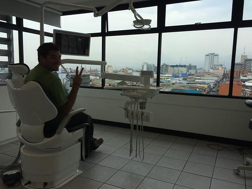 San José: Mister J chez le dentiste. On paie surement pour la vue...