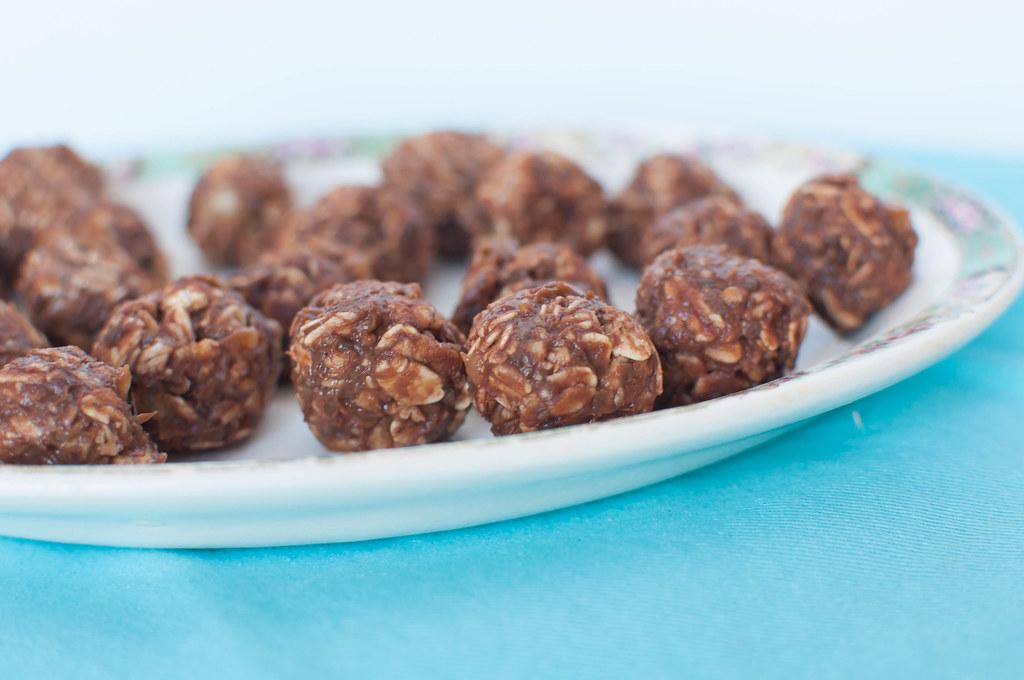 Chocolate Peanut Butter Energy Balls 1
