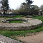 Albania. Tirana. Escasos restos de antiguas murallas