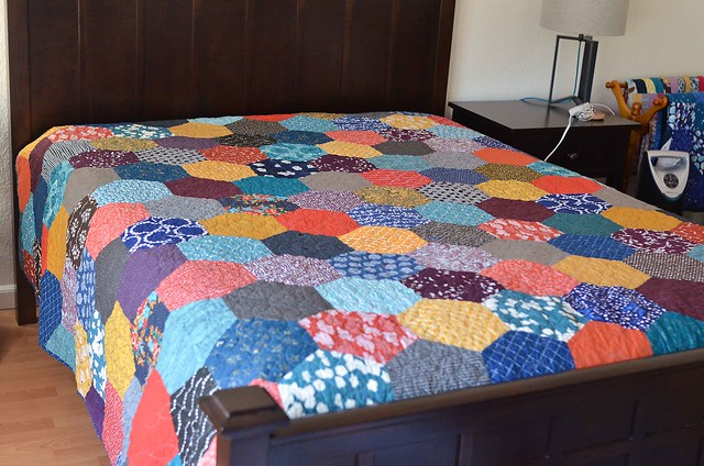 Sending a quilt to be quilted: a follow up | Kitchen Table Quilting : finishing a hexagon quilt - Adamdwight.com