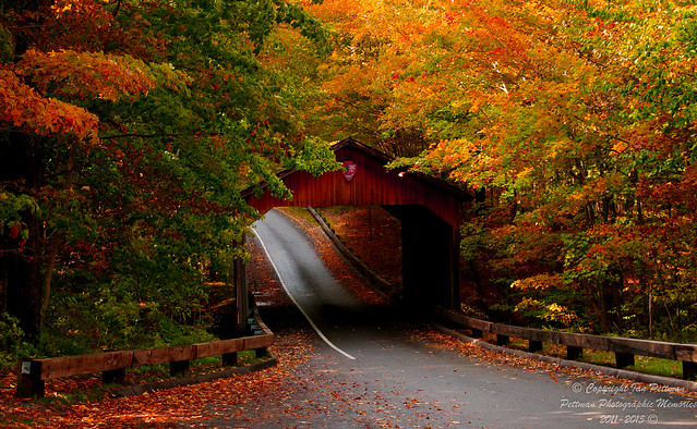 Covered Bridge in fall (2)