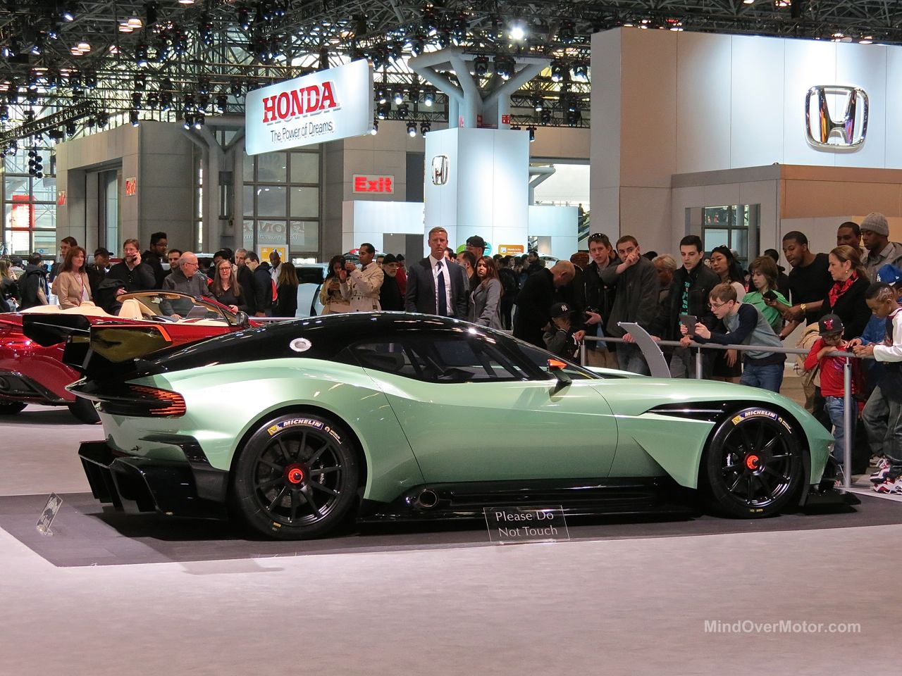 NYIAS 2015 Aston Martin Vulcan