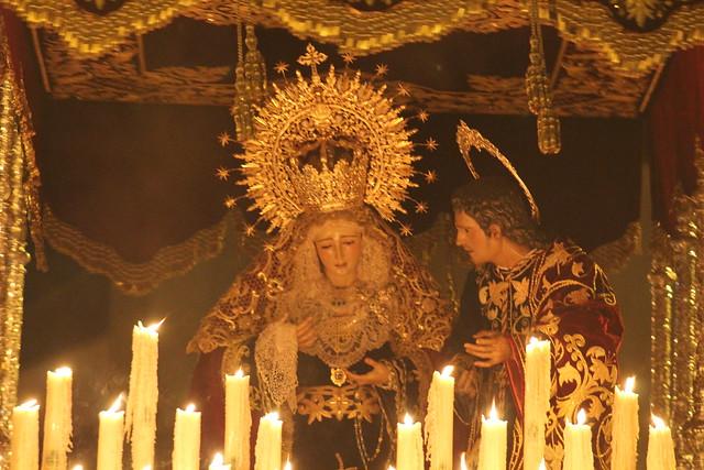 AionSur 17038536162_3a34624a88_z_d Estampas de Viernes Santo, de luz y devoción por las calles de Arahal Cultura Semana Santa