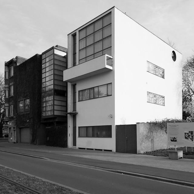 IMG_0299bw Maison Guiette by le Corbusier