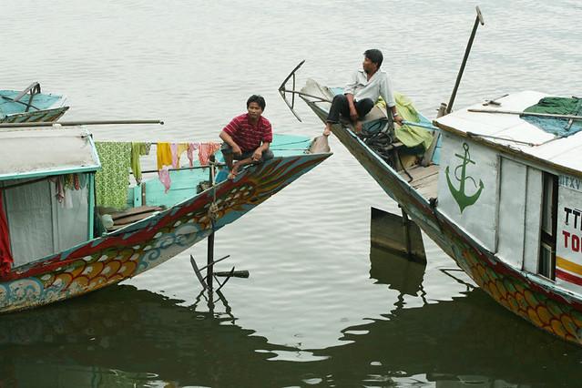 hue-dragon-boat