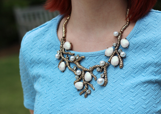 Happiness Boutique Peal and Tree Branch Statement Necklace Detailing