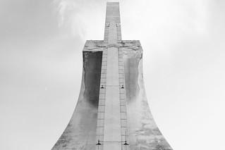 Afbeelding van Monument to the Discoveries in de buurt van Algés. portugal lisboa lisbon monumenttothediscoveries monumentoaosdescobrimentos monumentoalosdescubrimientos