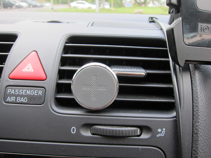 Logitech + trip Universal Air Vent Mount - In Car