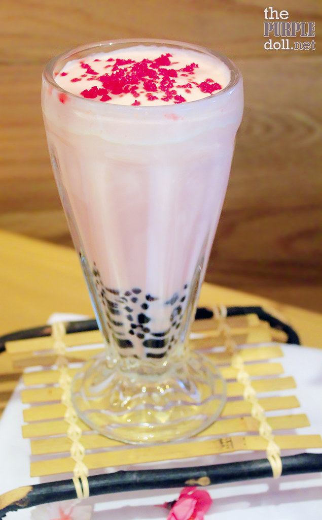 Sakura Strawberry Milk Tea (P145 Medium; P155 Large)