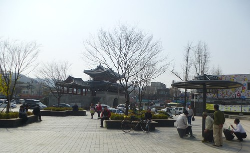 Co-Jeonju-Hanok-Pungnammun (7)
