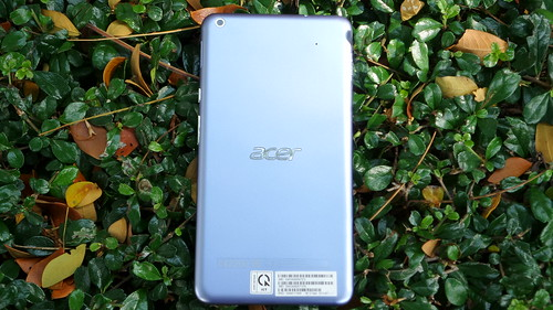 Acer Iconia Talk S ด้านหลัง