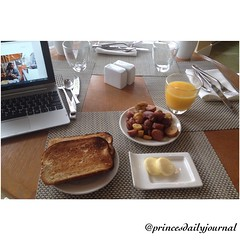 """A lite breakfast today. I'll see if I can squeeze in a workout afterwards. #whatsprinceeating: """"Breakfast Potatoes and Wheat Toast"""" ..……www.princesdailyjournal.com……#princesdailyjournal #princeinthecity #breakfast #breakfastisserved #capoeira #coronado #f"""
