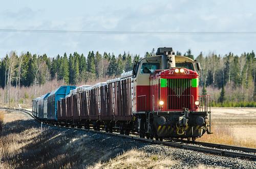 train diesel locomotive freight vr dv12 finnishrailways t3273