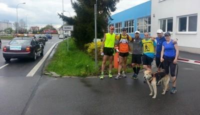 Běží desátý den a pětistý kilometr