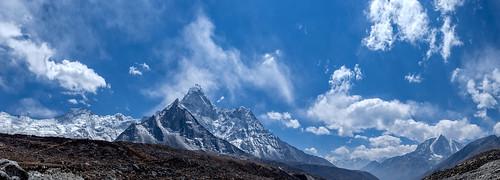 nepal sky panorama naturaleza mountain snow primavera nature clouds landscape spring outdoor nieve cielo nubes np himalaya montaña himalayas pasaje небо природа весна пейзаж снег облака гора непал chukhung easternregion гималаи fujinonxf1655mmf28rlmwr xf1655mm fujifilmxt10